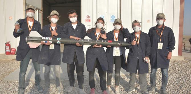 Büyükşehir'in desteklediği öğrenciler roket yarışmasına katıldı