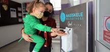 Başiskele'deki Okullara Dezenfektan Desteği