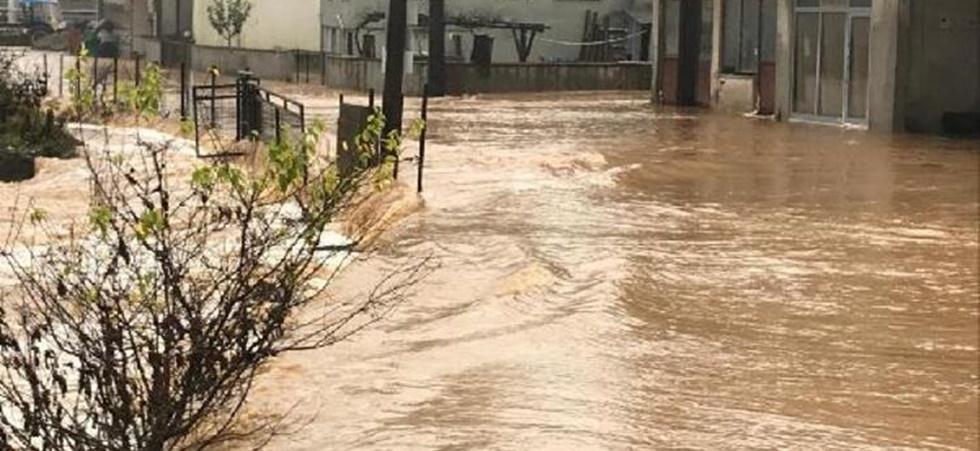 6 İl için sel baskını, yıldırım ve dolu uyarısı