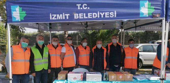 İzmit Belediyesinin ikinci yardım ekibi İzmir'de