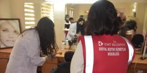 İzmit Belediyesinden ihtiyaç sahiplerine ücretsiz saç kesimi