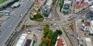 İzmit Demokrasi Bulvarında baskı beton kaldırımları yapıldı