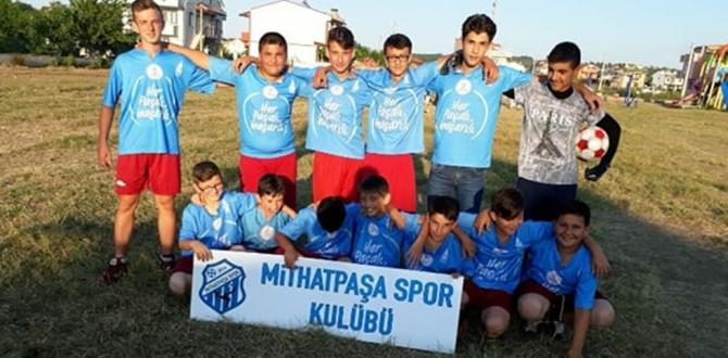 Kefken Mithat Paşa stadı 6 yıldır bekliyor