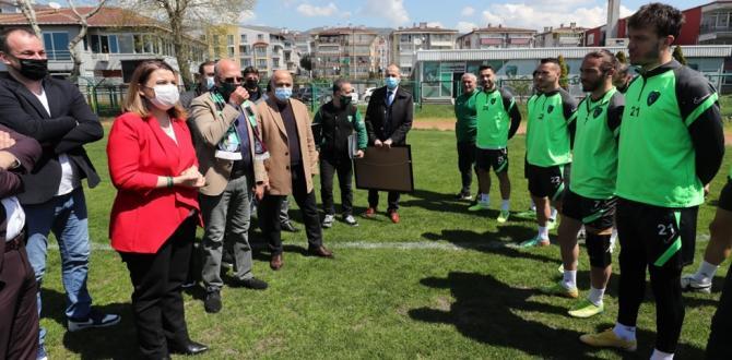 Hürriyet'ten Kocaelispor yönetimine 55. yıl sürprizi