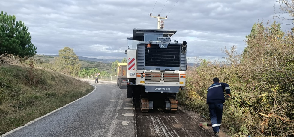 Kandıra Akçaova'da asfaltlama çalışmaları